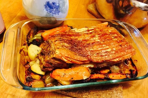 Slow Cooked Roast Pork Belly with Crackling